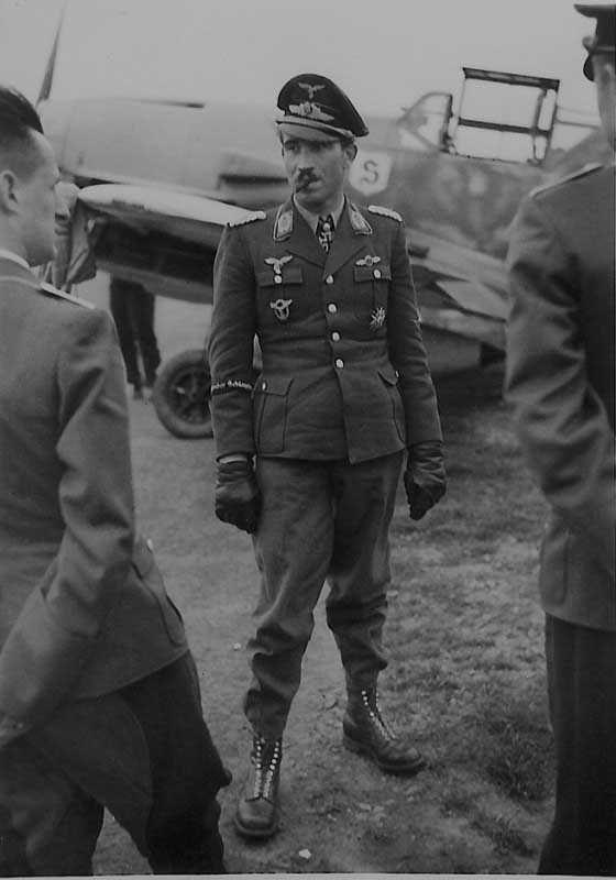 ✠ Adolf Galland (19 March 1912 – 9 February 1996) RK 29.07.1940 Major Kdr…
