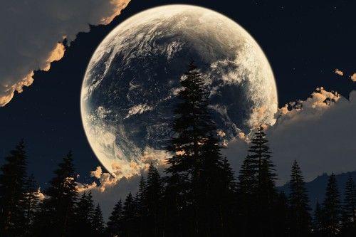 Looming Moon. wow!