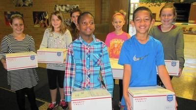 Hayes Leonard students send packages of gratitude to soldiers