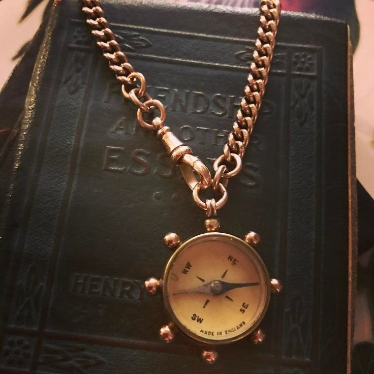 Need Direction? Then come on down to @pickwickvintage on January 29th from 10 AM to 5 PM. Buy your tickets in advance online and you'll get a 20% on them. This Victorian 9k compass is rich in heritage and large in size - making for a striking statement on one's neck. #pickwickvintage #circa1700 #antiquejewelry #compass #love #instagood #charm #charmobsessed