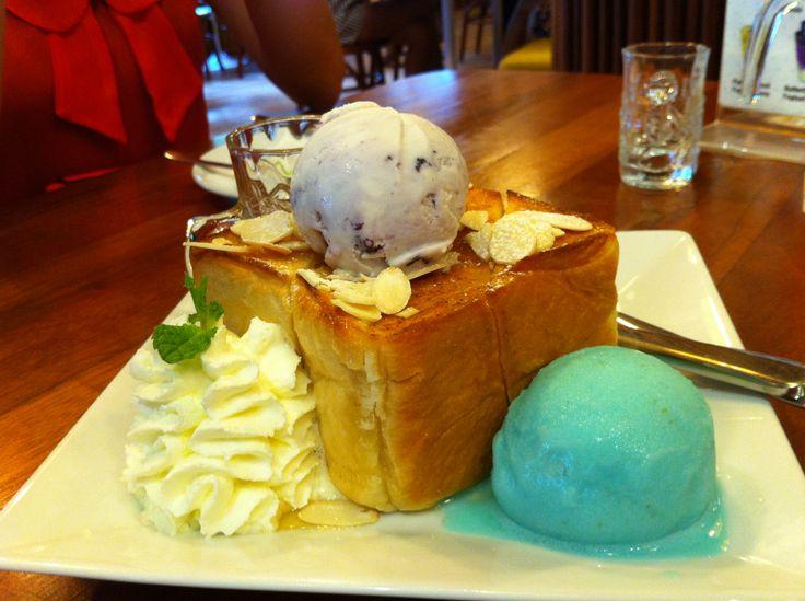 Blue ice cream with toast