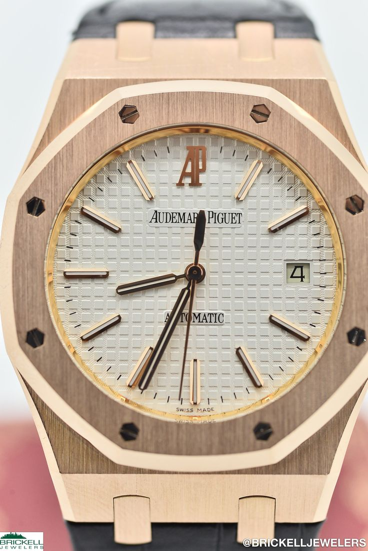 AUDEMARS PIGUET        ROYAL OAK        15300OR WHITE   18K        ROSE        Solid Gold        Genuine Leather        39MM        Mechanical (Automatic)        WATCH 2