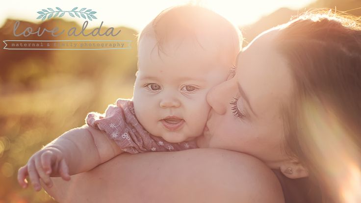 Family Photography Mom and Baby Golden Hour www.lovealda.com