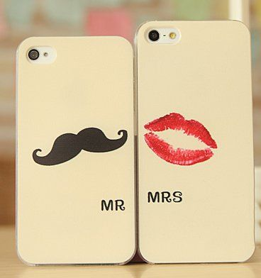 his and hers iphone. That's seriously so freaking cute.