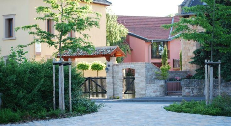 Hotel Figo Bad Kreuznach This beautiful hotel enjoys a tranquil location alongside the Nahe river, on a former wine-growing estate on the outskirts of the spa town of Bad Kreuznach-Ippesheim, in Rhineland-Palatinate.