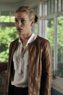 Annie Walker - Covert Affairs. I want that Jacket.