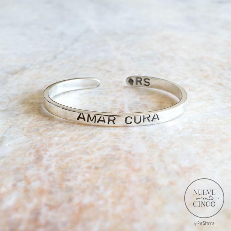 "Brazaletes de plata 925 ""Amar Cura"" by Ríe Simona ♡ Accesorios de diseño Córdoba. Argentina.  www.riesimona.com.ar  www.facebook.com/riesimona  www.instagram.com/riesimona"