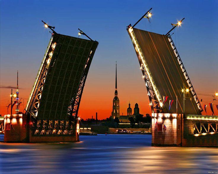 Санкт-Петербург - город ценителей культуры, искусства и высокой кухни. Любимый город, где происходят чудеса...)