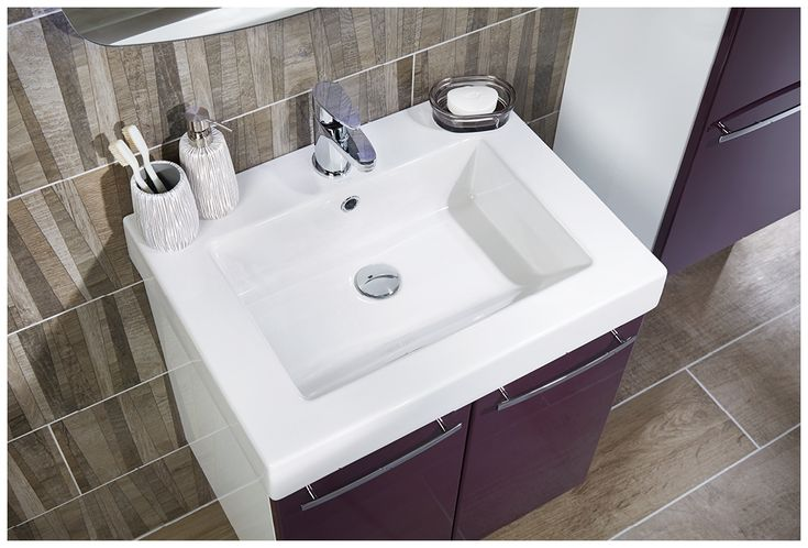Wood effect floor and wall bathroom tiles make the perfect backdrop to this exciting colour combination #youmodular #bathroomfurniture #myutopia