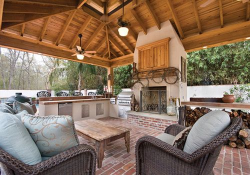 Outdoor living. stoneBackyards Oasis, Outdoor Kitchens, Outdoor Room, Fireplaces Wall, Dreams Porches, Outdoor Fireplaces, Outdoor Spaces, Outdoor Area, Outdoor Living Area