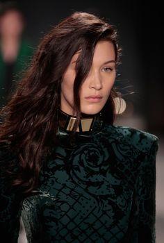 Bella Hadid - Capelli Mogano Scuro