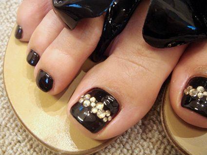 Black - Design rhinestones - Toenail design