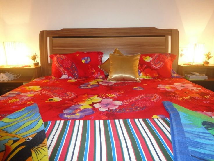 Viva Goa! All bright n red. #GOAgaga #holidayingoa #lovelife #rentals http://www.goagagaholiday.com/