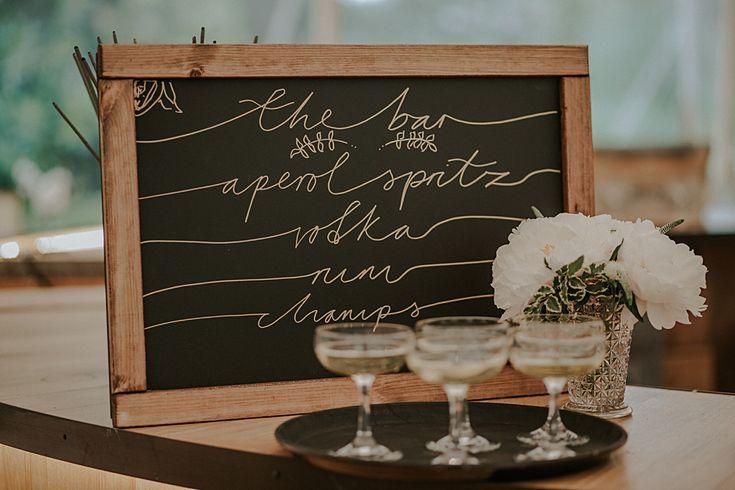 luxe bohemian wedding - wedding signs - rustic wedding signs #rusticweddinginspiration