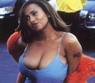 Lisa nicole carson boobs