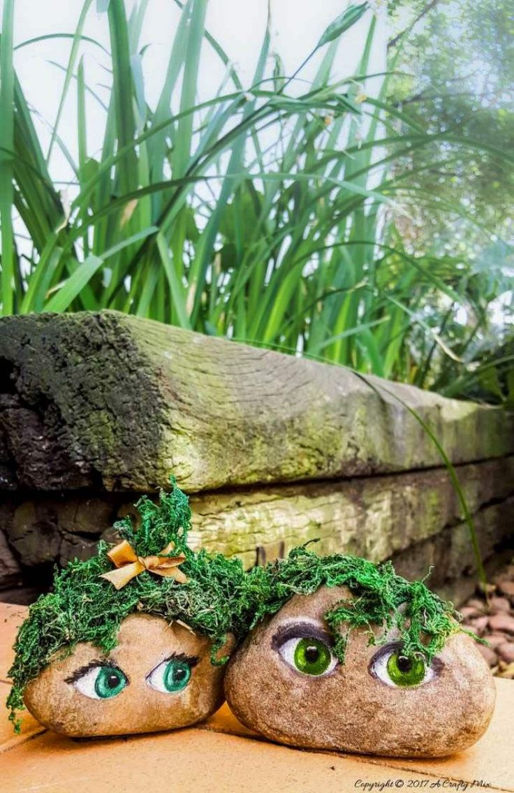 Make the cutest little mossy couple for the garden and easy tips on how to paint eyes