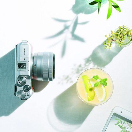 新製品発表 フジノンレンズXC15-45mmF3.5-5.6 OIS PZ . この度弊社はXシリーズ用交換ズームレンズとして最小最軽量(135g)を実現したズームレンズXC15-45mmF3.5-5.6 OIS PZを発売いたします . XC15-45mmF3.5-5.6 OIS PZの主な特長 35mm判換算23mm69mm相当非球面レンズ3枚EDレンズ2枚を含む9群10枚構成 Xシリーズ用交換ズームレンズとして最小最軽量135gを実現 レンズ先端から5cmまでの接写が可能 電源を入れると撮影可能位置までレンズが自動で繰り出し速度を低速/高速の2段階に切り替えることができる電動ズーム機能を搭載 光学式手ブレ補正機能を搭載 ステッピングモーターで高速かつ静音なAFを実現 . 発売日2018年3月15日(木) . メーカー希望小売価格41500円(税別) . XC15-45mmF3.5-5.6 OIS PZについて詳しくはこちらをご覧ください http://ift.tt/2rRNyd3 . .#富士フイルム #FUJIFILM #xシリーズ #fujifilm_xseries…