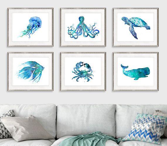 Pépinière nautique imprime plage décor océan impressions bleu côtières décor nautique bébé douche côtières décor mural LOT DE 6 GRAVURES. LA TAILLE EST POUR CHAQUE TIRAGE! Ce sont des tirages d'art de haute qualité de ma peinture originale sur papier aquarelle 240gsm ou de la toile (pour les plus grandes tailles). Tailles disponibles sont présentés dans la sélectionner un taille le menu déroulant au-dessus du bouton Ajouter au panier. Si vous avez besoin d'autres dimensions, s'il vous…
