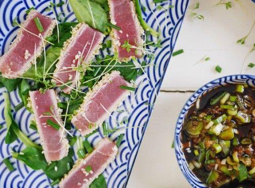 Haut mich echt um: Kurz gebratener Thunfisch mit Sesamkruste und asiatischem Dip