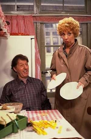 Zeg eens AAA - Dutch comedyseries from the '80's. main-stars Mien and Koos Dobbelsteen