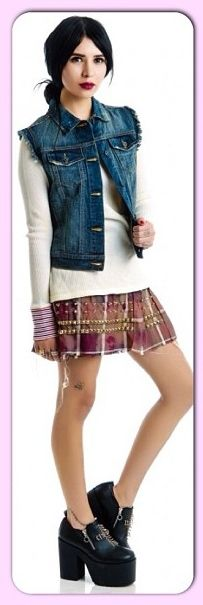 Hanna Beth modeling for dollskill.com