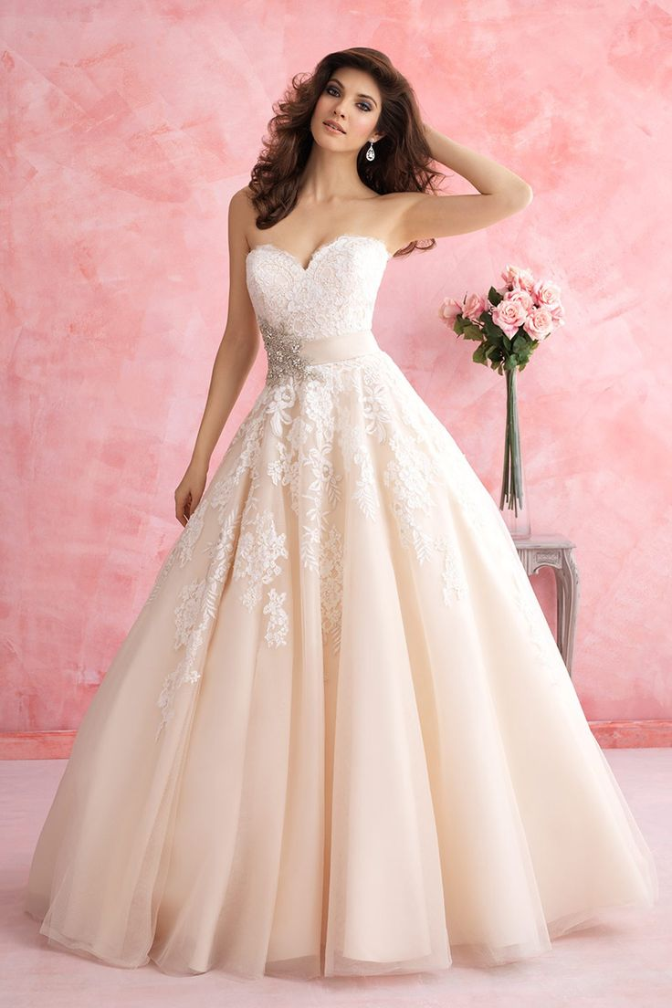 Romantic Sweetheart Natural Train Satin Champagne Sleeveless Wedding Dress with Appliques and Ribbons LWXT1509A  #dress #landybridal