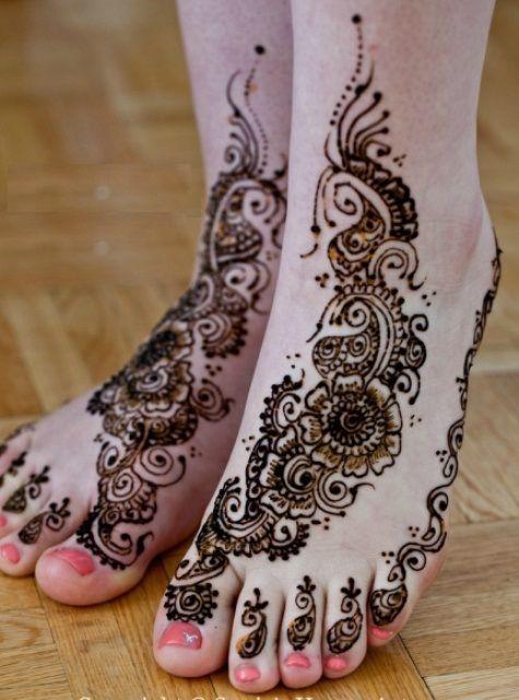 arabic  mehndi design for legs