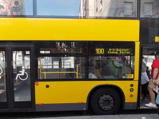Bus 100 und 200 der BVG Berlin: kostenlose Stadtrundfahrt durch das historische Berlin mit öffentlichen Verkehrsmitteln