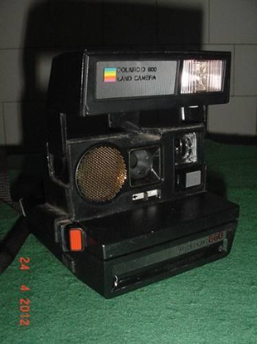 * Polaroid - Auto Focus 660 - Para Colecionador * - R$ 45,00