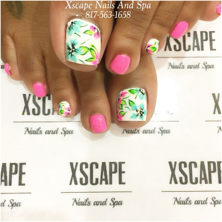 Floral nails design - summer toenails