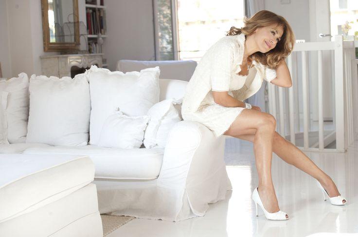 Vuoi #salotto come Barbara d'Urso? http://www.giacobbesalotti.it/divano-in-pelle-domenica.html