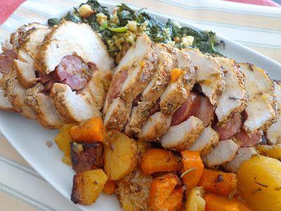 Prato Caseiro: Lombo de porco recheado com linguiça com cenouras e batatinhas assadas