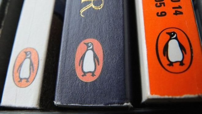 Publisher Penguin Random House says job applicants will no longer be required to have a university degree.Penguin