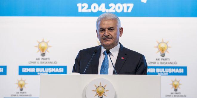 Başbakan Yıldırım, İzmir'de iş adamlarıyla bir araya geldi