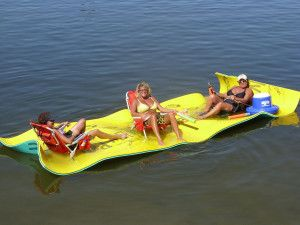 The Aqua Lily Pad is necessary for your next lake, party cove, pool or ocean activity! Use for tanning and relaxing, as a dock or portable island, as a ski platform, or just as a general floating playground!