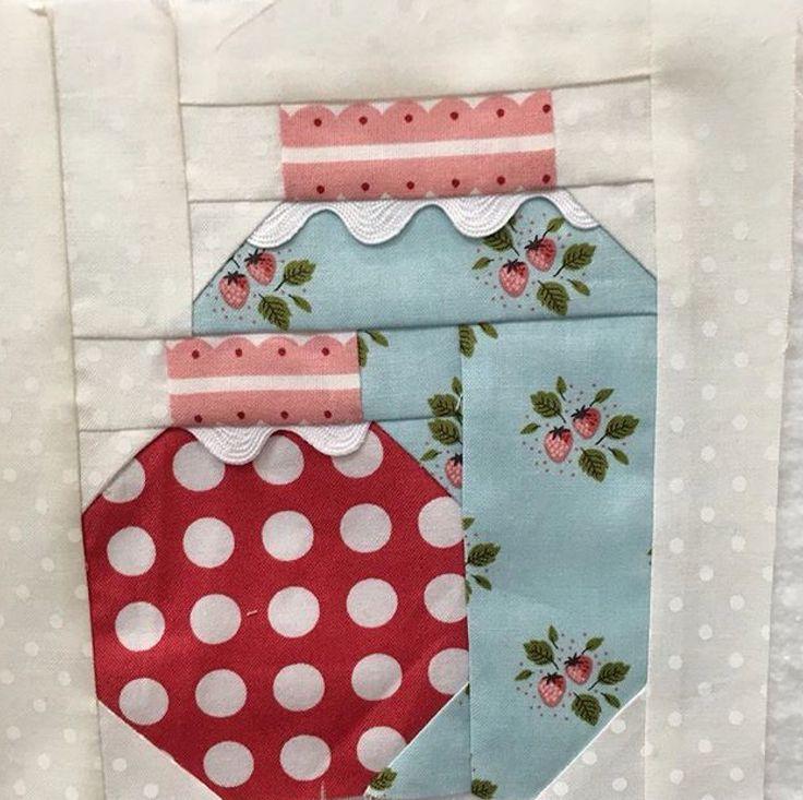 November bonus block of The Splendid Sampler Quilt