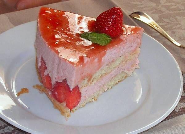 Fraisier: Deze Taart Is één En Al Aardbei! recept | Smulweb.nl