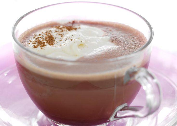 Varm chokolade med marcipanskum - Se nem og hurtig opskrift her!