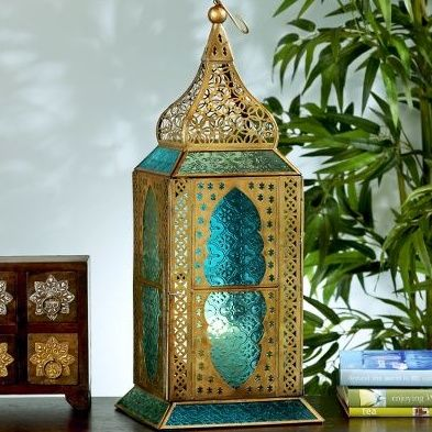 Say hello to this beautiful Turquoise Moroccan lantern.