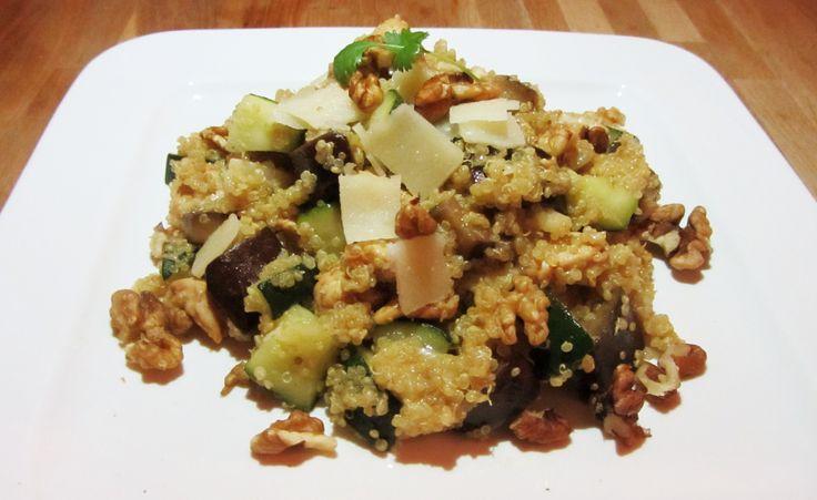 De populariteit van het powerfood quinoa groeit enorm. Wij weten natuurlijk al heel lang dat quinoa heel gezond & lekker is! Het bevat veel eiwitten, vezels en mineralen, geeft je lang een verzadigd gevoel en bevat amper calorieën. En ook belangrijk: je kunt er alle kanten mee op! Eerder deelden... Read More →