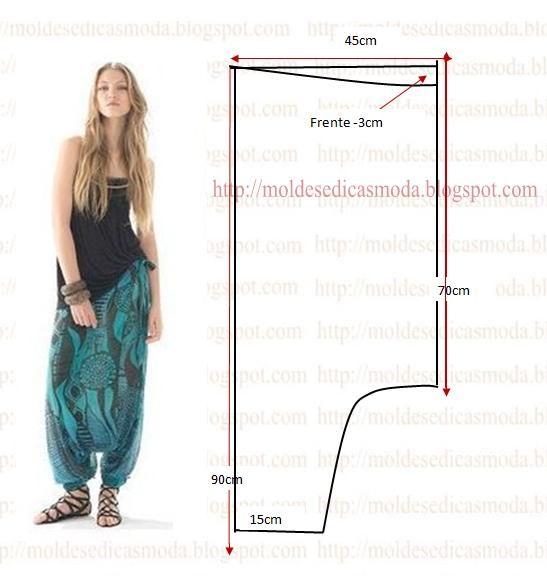 A proposta de hoje recaiu sobre este molde de calça larga estampada no tamanho 38 tabelas (Portuguesa) e 40 (Brasileira).