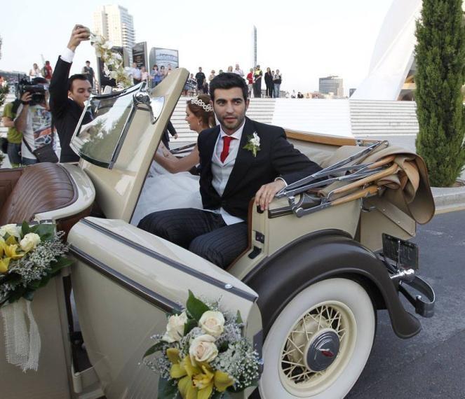 Red Carpet Wedding: Alicia Roig and Raul Albiol ~ Red Carpet Wedding