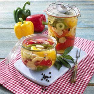 Das Rezept für Eingelegte bunte Paprika und weitere kostenlose Rezepte auf LECKER.de