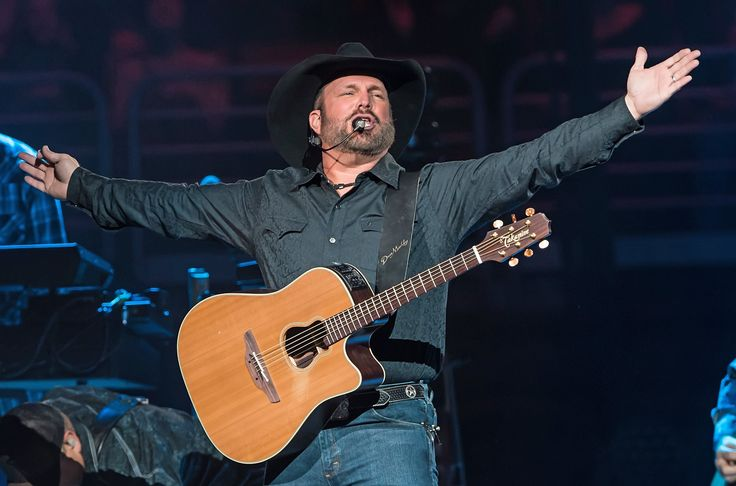 Garth Brooks Congratulates Newly Engaged Couple—And Offers to Pay for Their Honeymoon