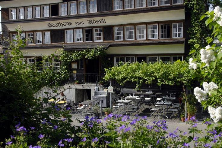 Gasthaus Rössli, Dorfstr. 16, 9122 Mogelsberg - Mitonner l'insolite de l'ordinaire - telle est la devise. Cette cuisine gastronomique est régional, saisonnier, #bio. Peut répondre aux besoins spéciaux si commandés à l'avance.