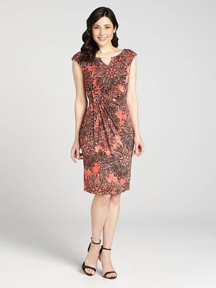 Simple and pretty, this gorgeous dress boasts a bright pinwheel print. It's perfect to wear on an evening out, with heels, but also works as a casual look for a warm, sunny weekend this Spring. Pair it with flats and see what we mean!...3010101-8570