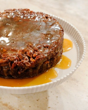 Upside Down Sticky Toffee Pudding Martha Stewart I Ll Pin This But Never