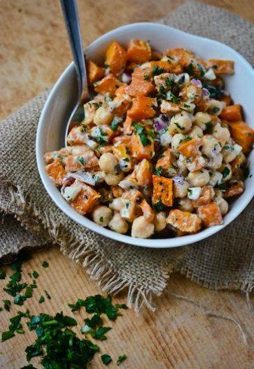 Salada de grão de bico, kani e cominho