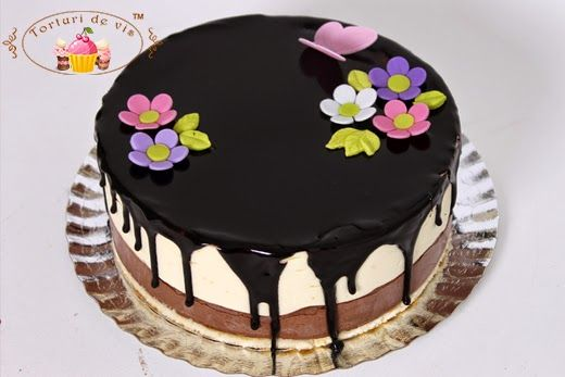 Mousse de ciocolata neagra cu visine si ciocolata alba cu portocala