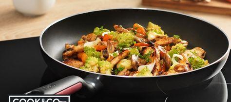 Dit eenpansgerecht is onwijs lekker door de verschillende smaken. Je maakt hem makkelijk met de comfort grip Koekenpan van Cook&Co.
